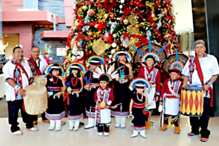 Hopi children and adults sent Holiday greetings to their feather donors.
