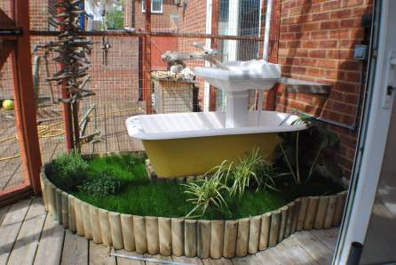 Talk about double-decker baths!!!