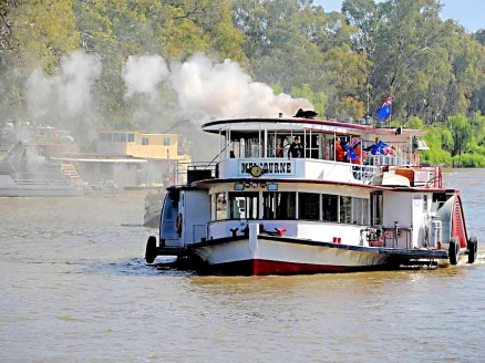 Pointon relatives' Murray River steamboat, another intended Heritage subject (Courtesy of Owen Pointon)